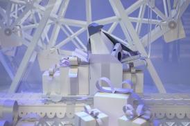 Pingouin cadeau papier